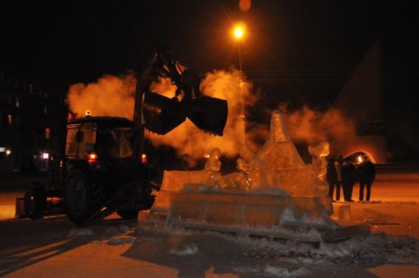 Ледяной дворец. Архангельск. Демонтаж
